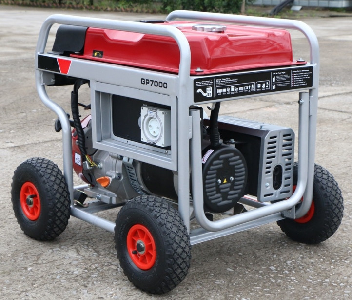 6.5kw Portable Gasoline Generator with 4X Large Pneumatic Wheels and Lifting Hook